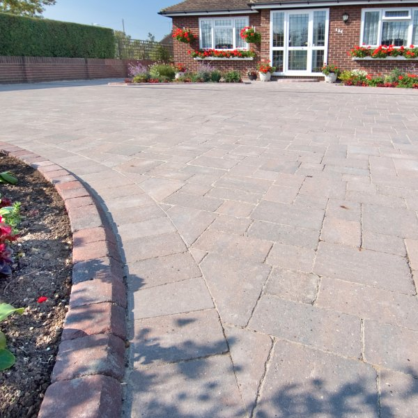 Alpha Medium Block Paving in Burnt Oak 80mm