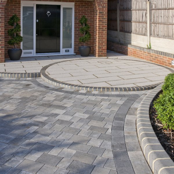 Smooth Three Size 60mm Block Paving Silver Haze