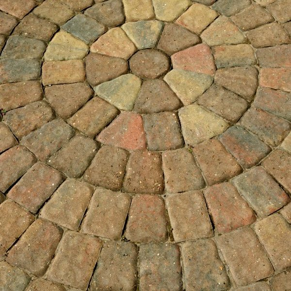 Regatta Circle Pack Block Paving in Rustic Bronze 60mm