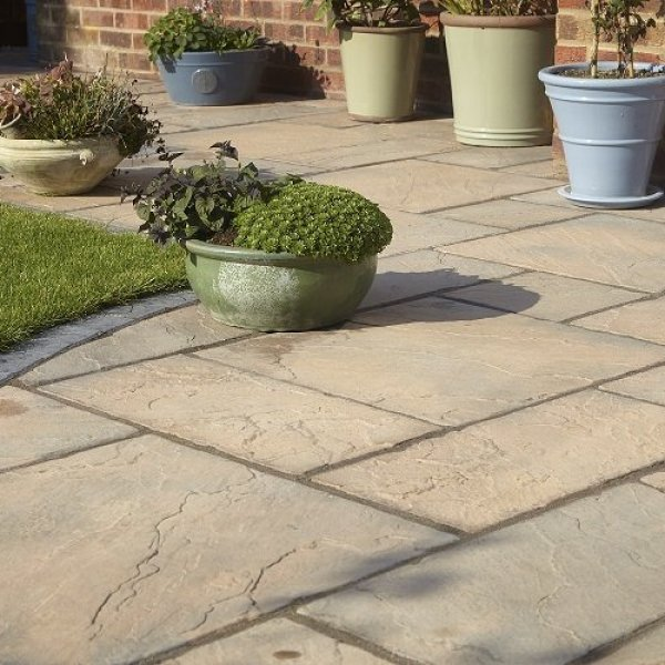 Bronte Riven Paving Slabs in Acorn Brown Mixed Size Patio Pack