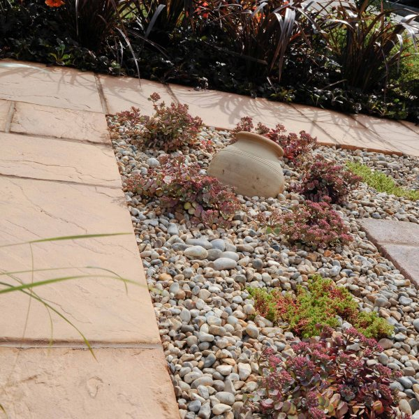 Bronte Riven Paving Slab in Honey Brown Mixed Size Patio Pack