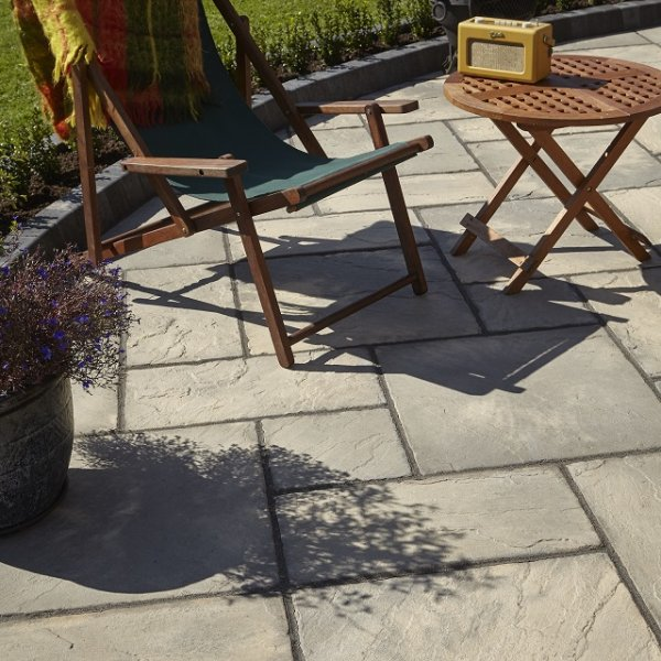 Bronte Riven Paving Slabs in Weathered Buff Mixed Size Patio Pack