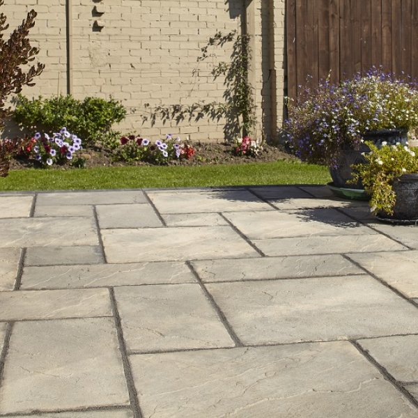 64 No. 300x300x32mm Riven Paving Slabs - Weathered Buff