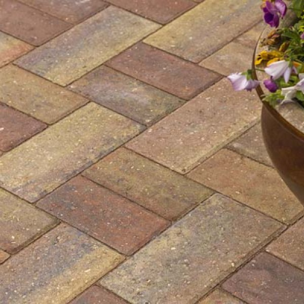 Smooth Single Size 266x133x50mm Block Paving - Autumn Gold