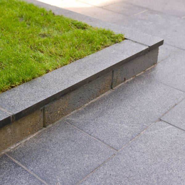 3 Size 15.04m² Flamed Granite Linear Patio Pack - Graphite Grey (CL)