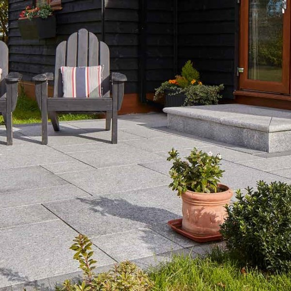 3 Size 15.04m² Flamed Granite Linear Patio Pack - Silver Grey