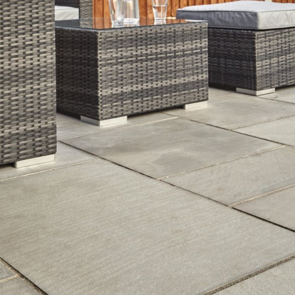 3 Size 15.04m² Flamed Sandstone Linear Patio Pack - Mountain Mist