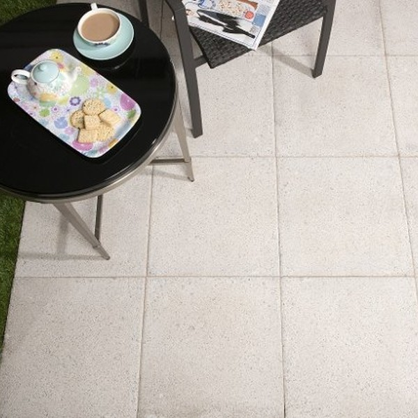 20 600x450x50mm Lightly Textured Paving Slabs Silver Grey