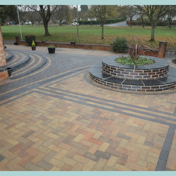 Omega Block Paving in Autumn Gold 60mm