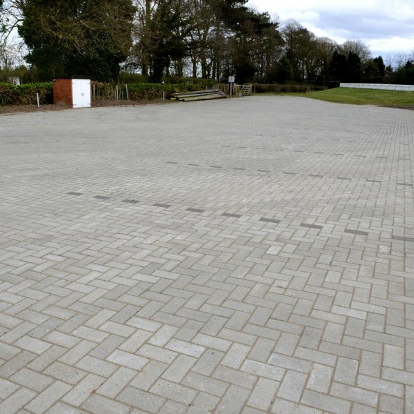 Smooth Single Size 200x100x50mm Block Paving Natural