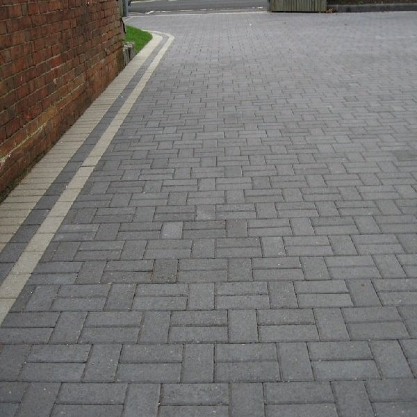 Smooth Single Size 200x100x50mm Block Paving Charcoal