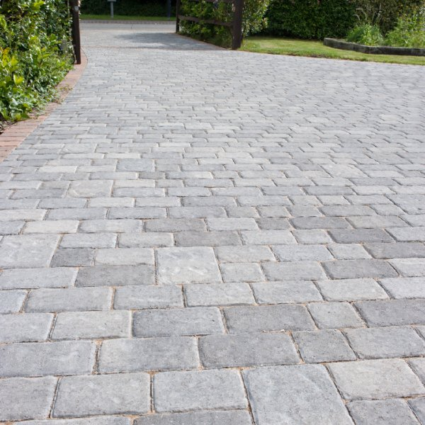 Riven Three Size 60mm Block Paving - Silver Haze