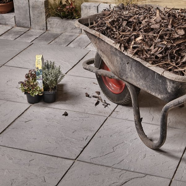 64 No. 450x450x32mm Riven Paving Slabs Charcoal