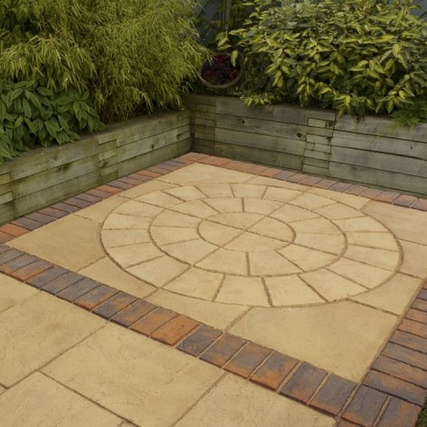 1.8m Dia. Garden Patio Circle PLUS Squaring Off Kit - 4.7m² in Weathered Apricot