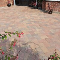 Smooth Single Size 280x210x60mm Block Paving Autumn Gold
