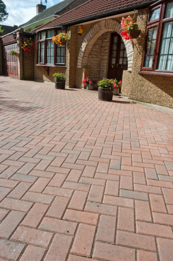 58m² Single Size 50mm Smooth Block Paving Brindle
