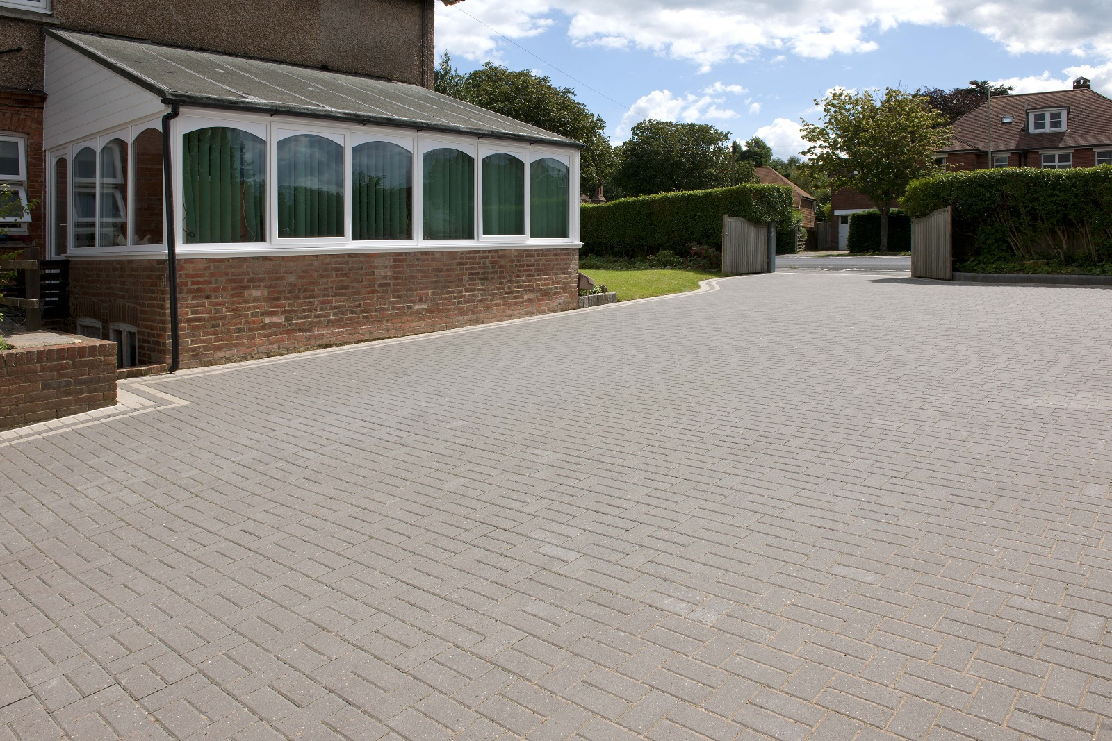 48m² Single Size Smooth Chamfered 60mm Block Paving Charcoal