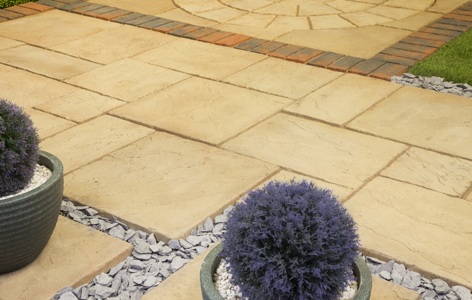 64 No. 600x450x32mm Riven Paving Slabs Weathered Apricot